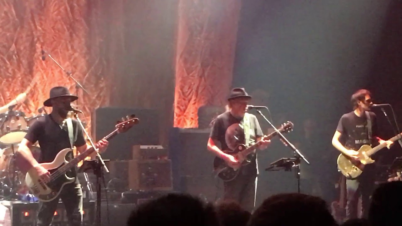 Neil Young Cinnamon Girl Capitol Theatre 9/26/18