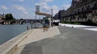 видео Париж и набережная Сены