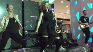 """Юлианна Караулова - Хьюстон (Live @ ТРЦ """"Весна"""", Москва, 25.11.2016)"""