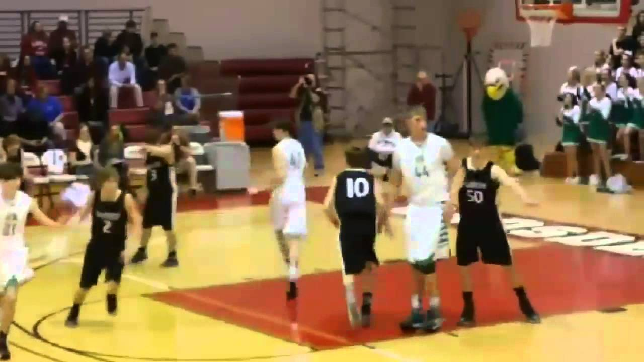 Isaac Haas dunks three times in first three minute - YouTube