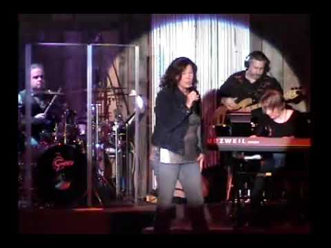 "Linda Ronstadt ""When Will I Be Loved"" performed by Tana Carroll"