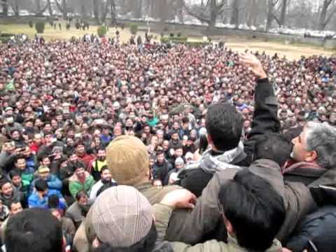 qayoom wani protest at sgr  kashmir headlines  arshid mir  feb/2016