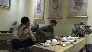 Võ Minh Hải ôm guitar hát CHỢT NHỚ TÊN ANH tại TRÀ PHẬT ĐÀ một đêm mưa