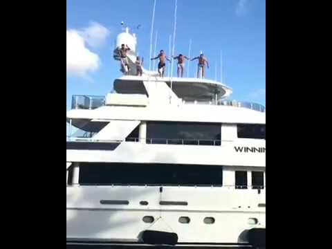 Spieth, Fowler, Thomas and Kaufman are jump off from the top of a 50ft yacht