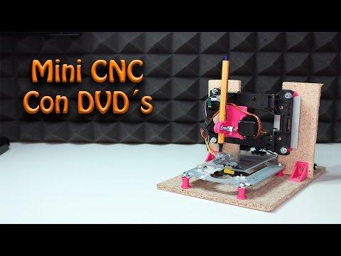 Mini CNC con lectores de DVD reciclados