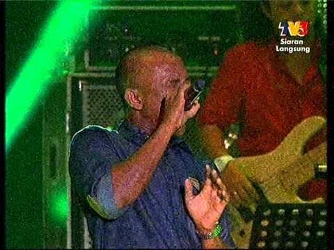 Black feat Azlan The Typewriter- Gemuruh (Live Jom Heboh Sarawak 2012).mpg