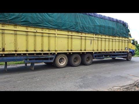 Truk Tronton Super Great Truk Triball Super Panjang Di Tanjakan Lintas Sumatera