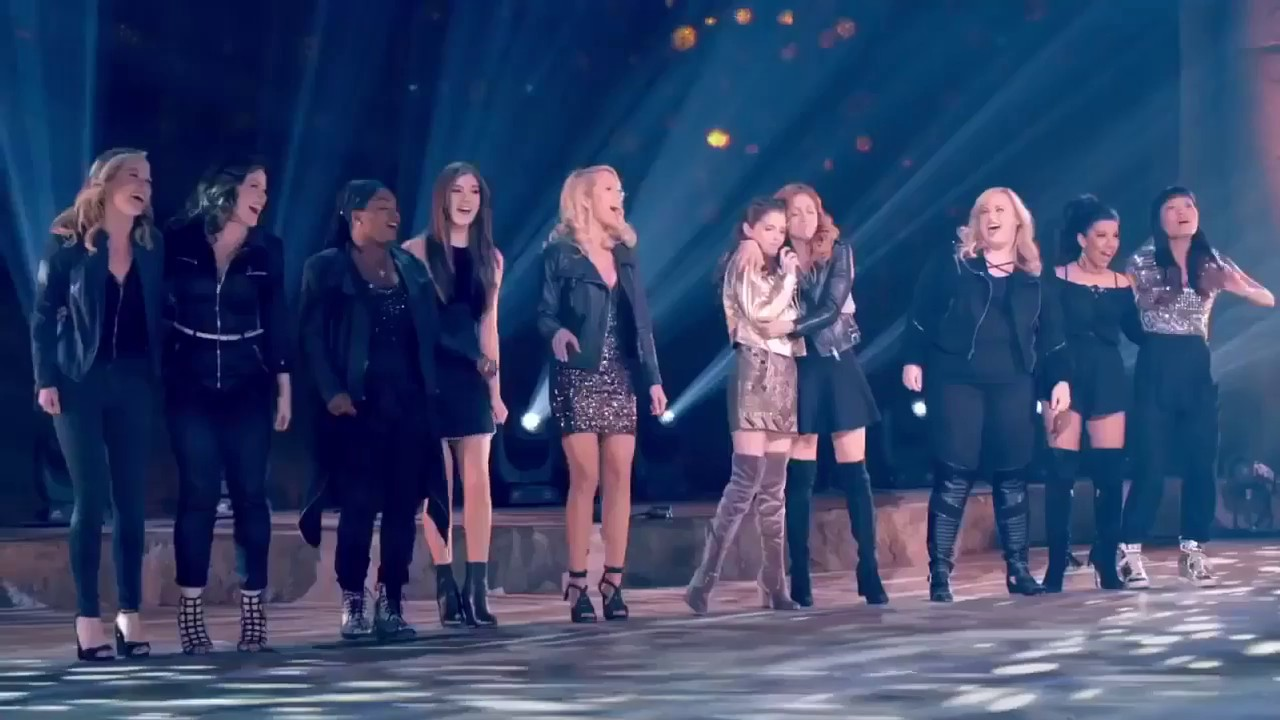 Pitch perfect 3 2017 all behind the scene cast - Pitch perfect swimming pool scene ...