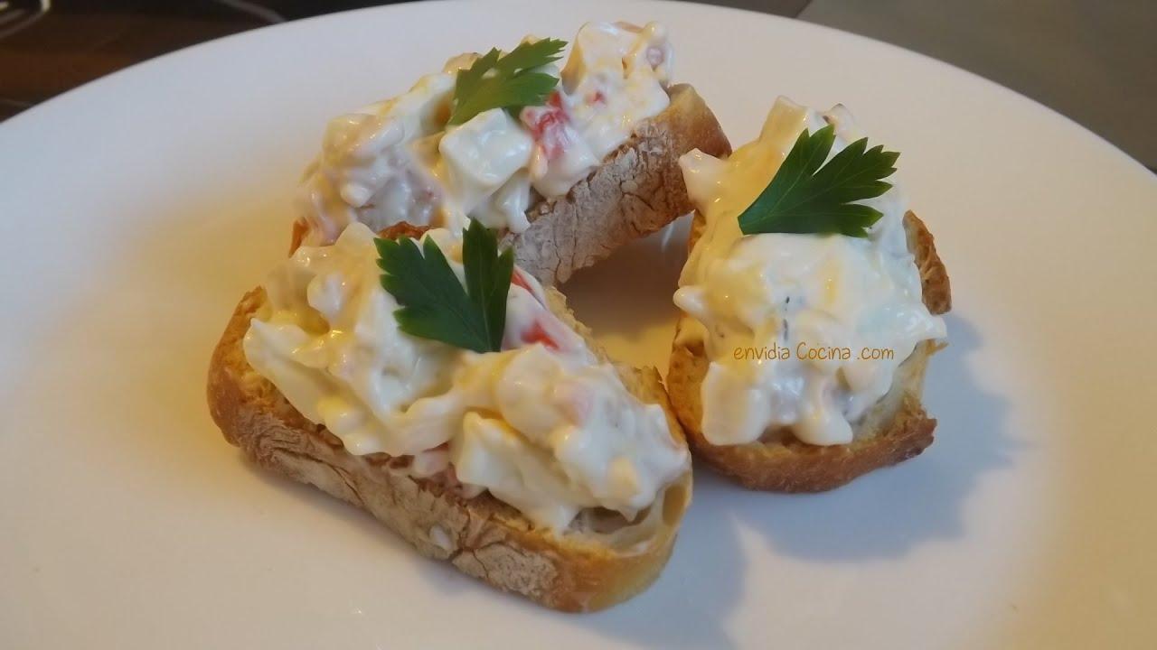 Canap de palitos de surimi mayonesa y huevo f cil for Canape de cangrejo