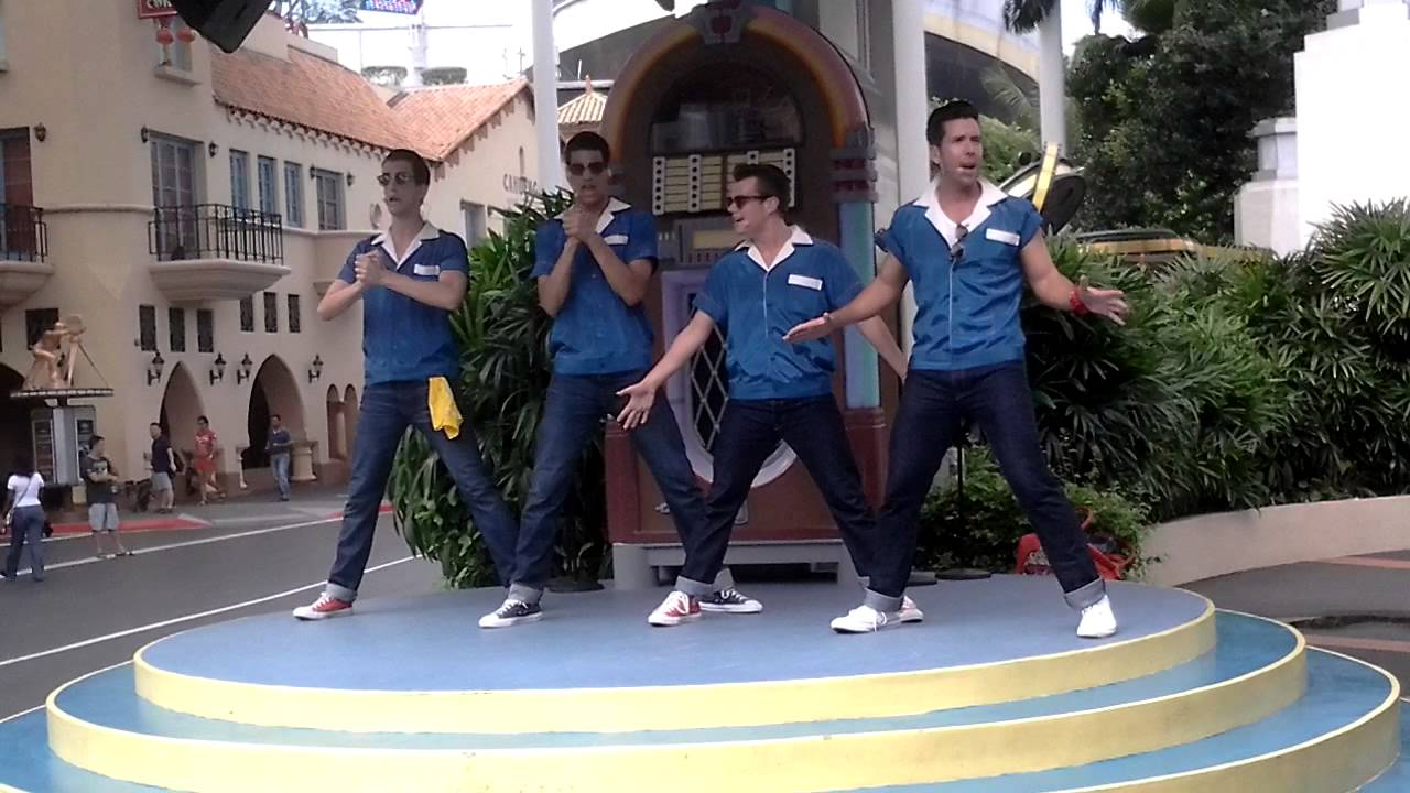 The Cruisers - Universal Studios Singapore 8.9.13 - YouTube