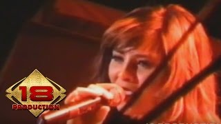 Audy - Arti Hadirmu  (Live Konser Bandung 05 November 2005)