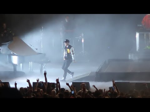 Bobby Tarantino Vs Everybody Tour Logic Plays Piano, New Song,and Simply Puts On A Show