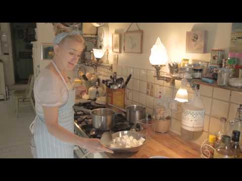 Sophie Thompson makes Uncle James's Bavarian Orange Pie