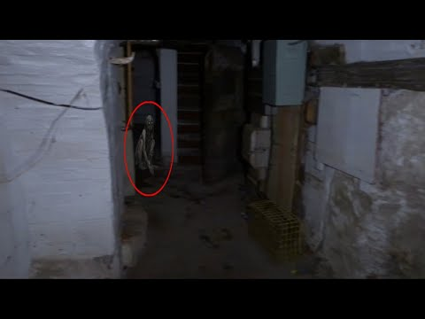 Warning!! Exploring A 315-year-old Mansion What Could Of Gone Wrong.