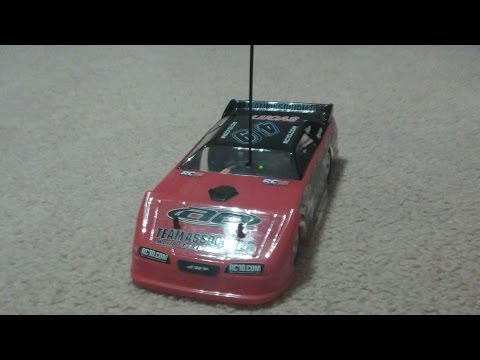 Team Associated RC18 Quick indoor run - hope you dont get dizzy :)