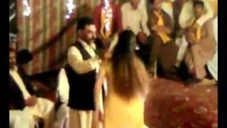 Lal Lal Kurti main gora sa Badan Mujra wedding full Masti Programme