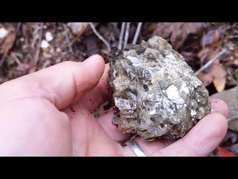 Exploring Old Mica Mine Creek: Found Arrowheads & Bottles
