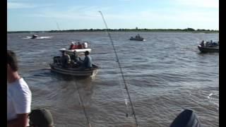 Torneo internacional de pesca de la corvina en Pilar.