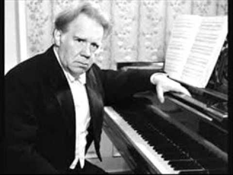 Edwin Fischer plays Beethoven Concerto No. 3 in C minor Op. 37