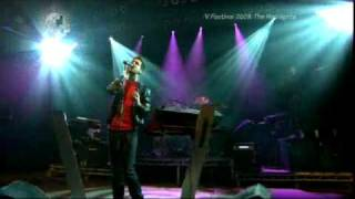 Calvin Harris - I'm Not Alone (Live at V Festival 2009) [22/08/09]