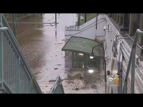 Water Main Break Floods Newark Streets