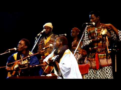 Baaba Maal & Mansour Seck :  Miyabe  (Live @ Hackney Empire, 5th November 1988)