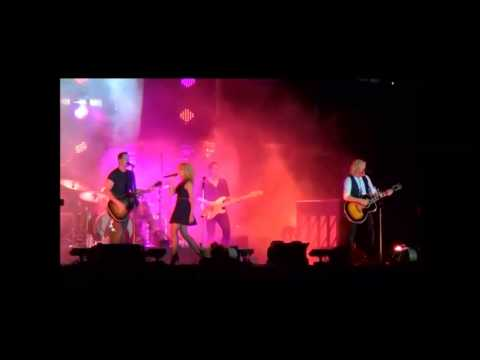 Little Big Town 9/27/14 The Big E West Springfield MA. (Quit Breaking Up With Me)