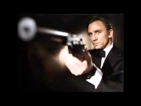 "Daniel Craig Singing ""Goldmines In The Sky"""