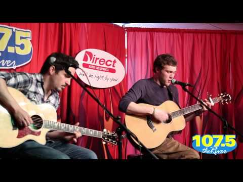 Phillip Phillips Performs Wicked Games