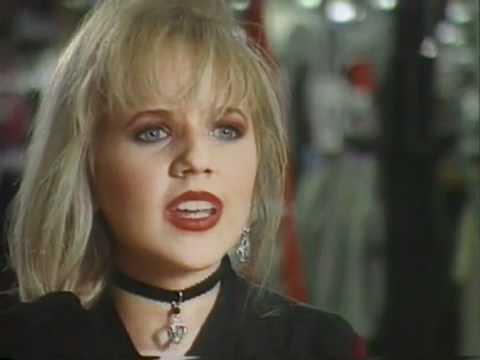 Amie Comeaux Rare TV Interview 1994