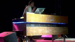 Justus Köhncke _ So Weit Wie Noch Nie (live)