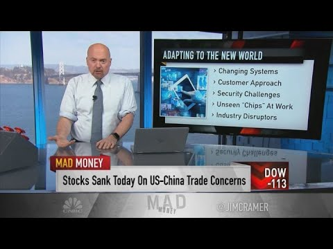 Key difference in rivals Home Depot, Lowe's quarterly reports? Digital, says Jim Cramer