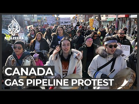 Canada: Pipeline protests shut down main rail routes