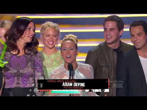 Alexis Knapp & Anna Camp & Brittany Snow - gorgeous accepting award win