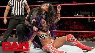 Sasha Banks & Bayley vs. Nia Jax & Tamina: Raw, Nov. 19, 2018