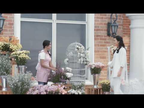 "Pond's White Beauty Mempersembahkan ""Cahaya Cantik Hatimu"" - RAISA"