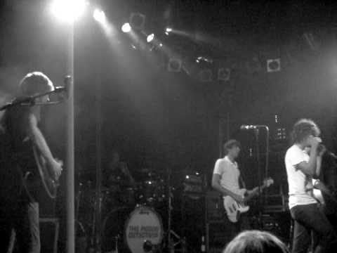 Pigeon Detectives - Nothing To Do With You (Live)