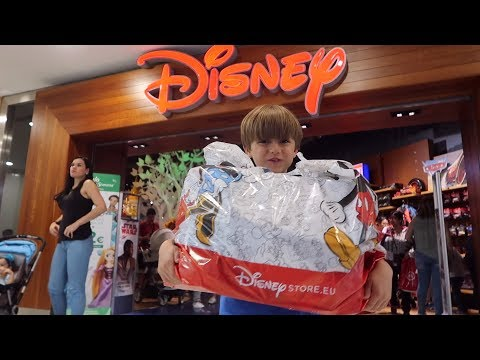 Disney Store Shopping: Nerf, Lego and Fidget Spinners - New Toys