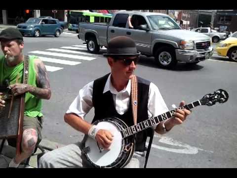 Got my mojo workin. J.R.Willis:banjo, Sheldon Ziro:harmonica, Eric Campbell: washboard