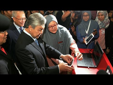 Zahid proposes RM3,500 minimum wage for skilled Malaysian workers
