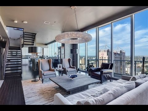 Thumbnail: Flawless Penthouse with Skyline Views in San Antonio, Texas