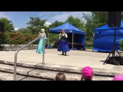 "Elsa Singing ""Let it Go"" At The Mississauga Water Festival"
