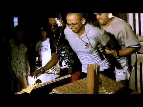 Sensato ft. Romeo Santos - El Malo Remix