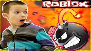 *ВЫЖИВАЮ* в ROBLOX! Спасаюсь от БОМБЫ в Роблокс!!!