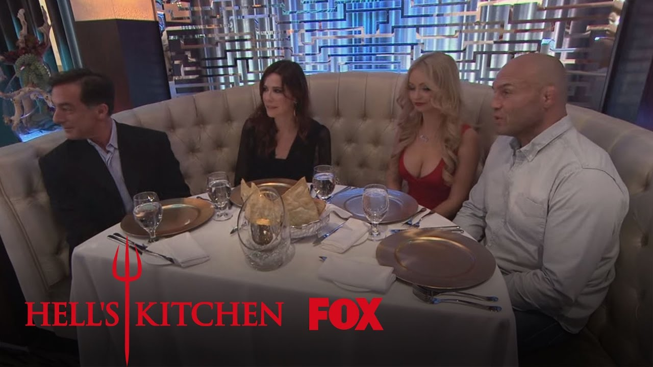 Vip Diners Arrive Season 15 Ep 14 Hell S Kitchen