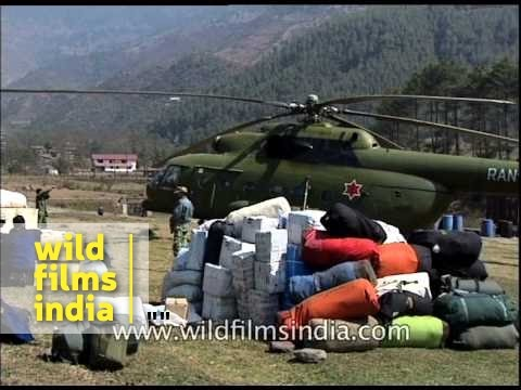 Russian made helicopter in Nepal brings in gear for Indian Army expedition