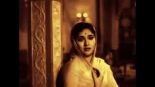 A TRIBUTE TO DELHI GANG RAPE VICTIM-RIP-AURAT NE JANAM DIYA MARDON KO.flv