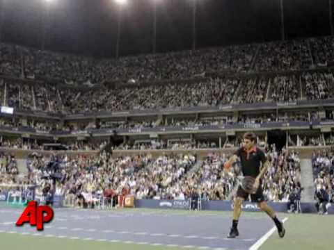 Federer Advances to 3rd Round at U.S. Open