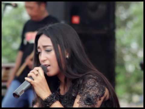 Rahmad Illahi, Yuni ayunda, ADELLA Live In Rembang