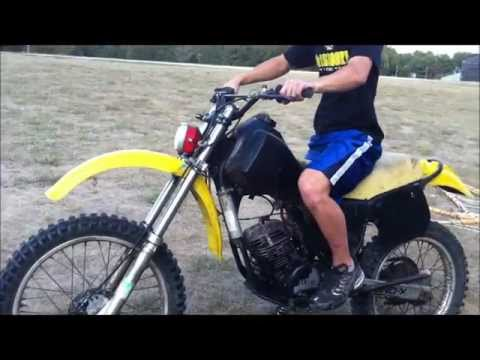 2 stroke Dirtbike straight piped (no exhaust)